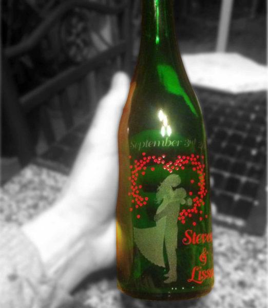 Gravure au jet de sable sur bouteille de vin et de champagne