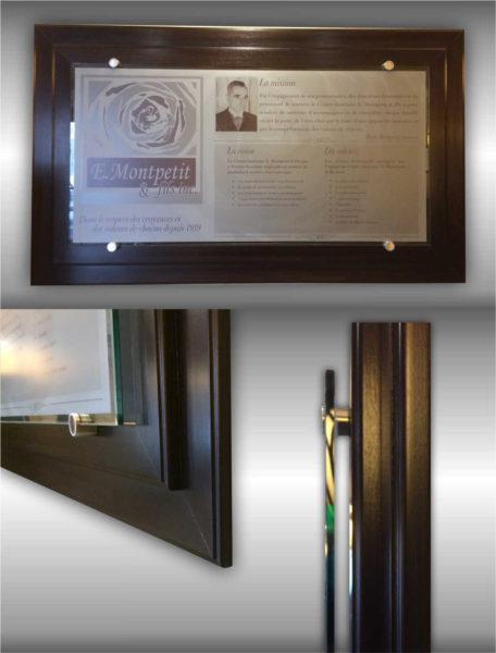 Plaque de Reconnaissance sur différents niveaux, sublimation sur métal, verre et bois fixés avec des entretoises