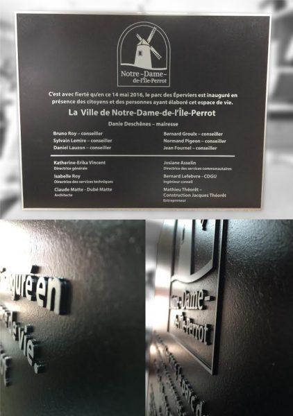 plaque coulée sur mesure en 3D pour identification de monuments, bâtiments, parcs pour l'extérieur et l'intérieur