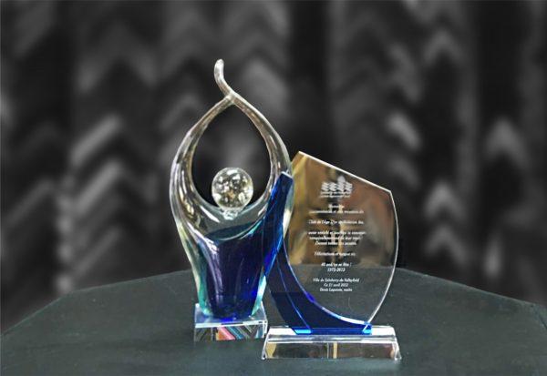 trophée en verre et en cristal